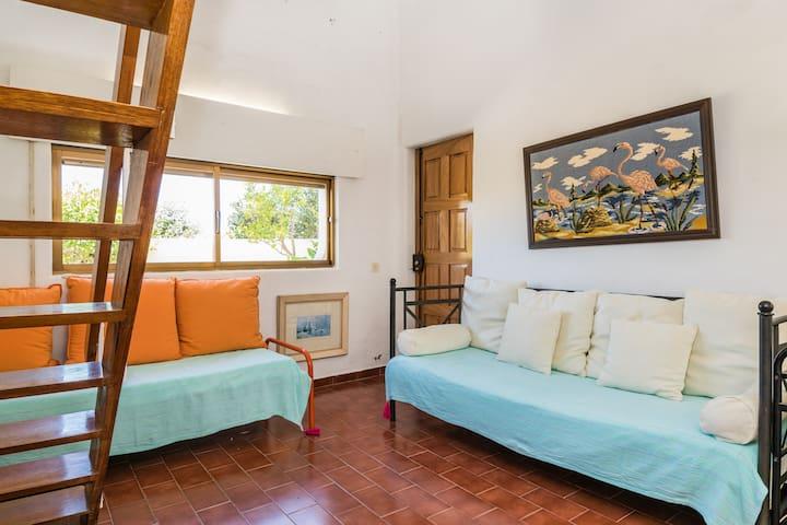 Lando Yellow Duplex Apartment, Alvor, Algarve