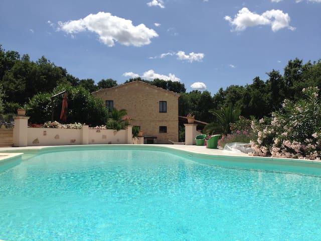 Luxurious 13-persons 'Casa Tavola' - Isola di Fano - 別荘