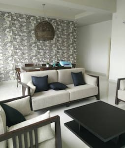 New BatuFeringghi Condo Family 5pax - Condominio
