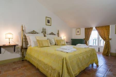 Castello di Serragiumenta Suite 4