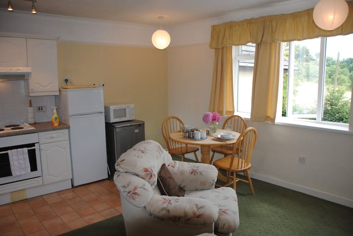 Rippon Tor Apartment in picturesque Maidencombe