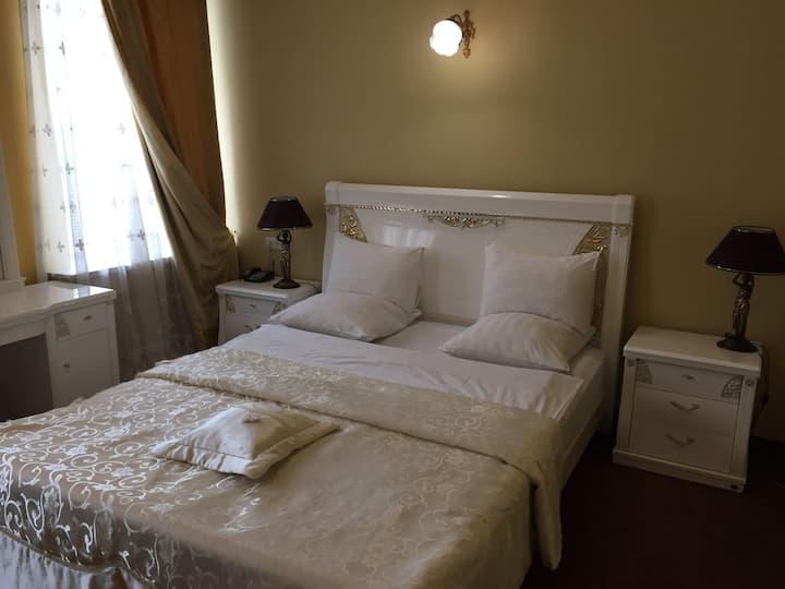 Полулюкс в отеле на 12 номеров в центре Краснодара