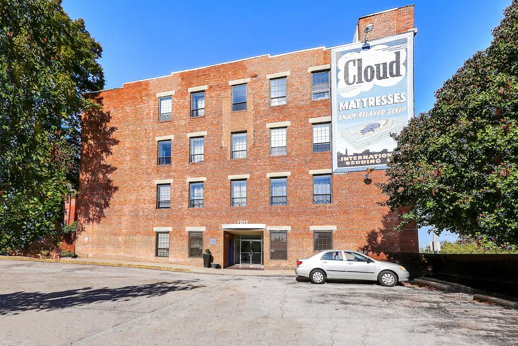 Modern Two Bedroom In The Heart Of Mount Vernon Apartments For Rent In Baltimore Maryland