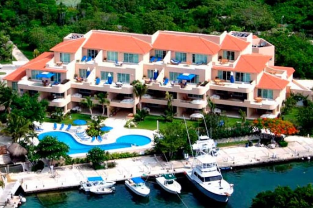 My beach paradise condo vacation villas for rent in for Villas quintana roo