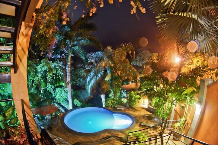 Jungle Vista inn