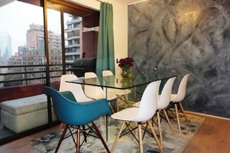 Inmejorable ubicación dormitorio en Barrio El Golf - Las Condes