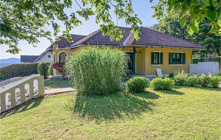 Holiday cottage with 3 bedrooms on 100m² in Buchschachen