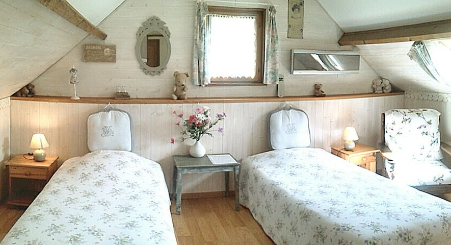 Indep B&B en-suite kitchen WW1 somme battlefields - Courcelles-au-Bois - Bed & Breakfast