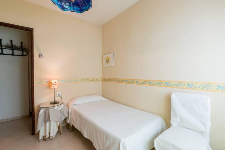 Habitación centro de Granada !!!