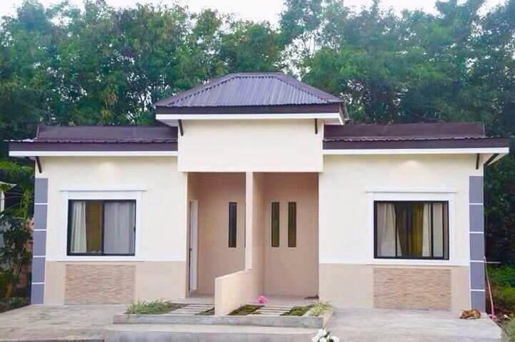 Bantayan budget studio apartment (Alexandra 1)