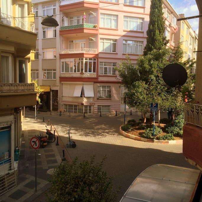 Room for Rent in Yeldeğirmeni Street in Kadıköy - Flats ...