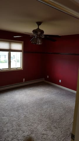 Clean, Spacious, bright and affordable 2nd Fl - Deer Park - Ház