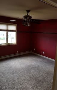 Clean, Spacious, bright and affordable 2nd Fl - Deer Park