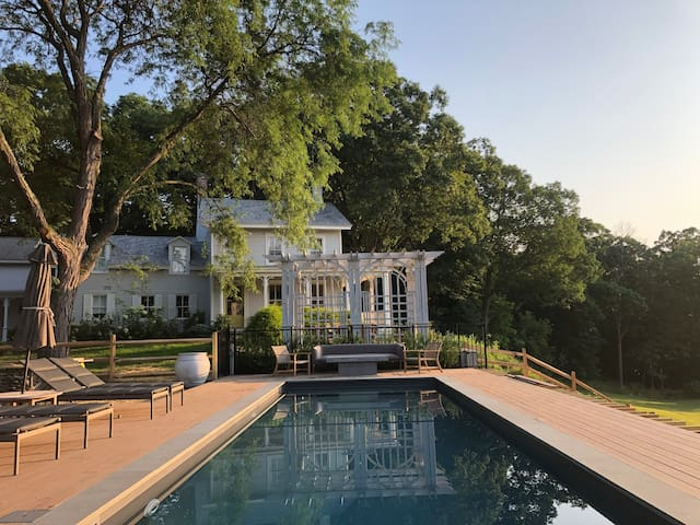 WILDINGS on Hudson  - River Estate w amazing views