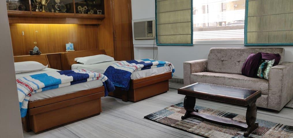 CHINAR HOMES Bedroom 1:  Gulmarg