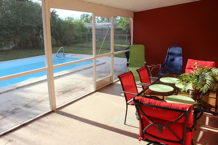 Extra large lanai perfect for relaxing after swims or outdoor meals