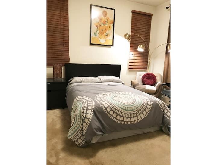 Private Room&Bath New Home 10-15 Min to City & SFO