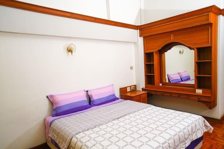 Bangkok Pool Villa  suite Separate bathroom