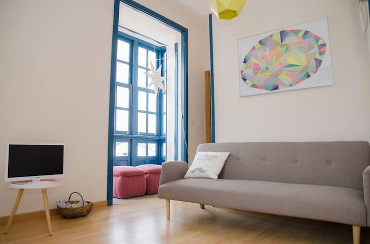 "Apartamento en el casco histórico-free wifi ""1B"""