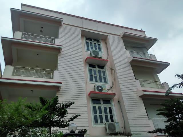 3BH Second Floor Apartment