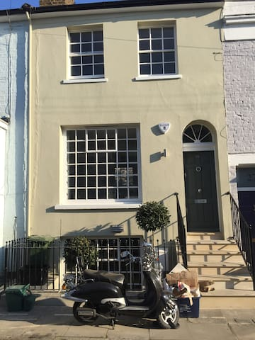 London Home With Village Vibe in Barnes
