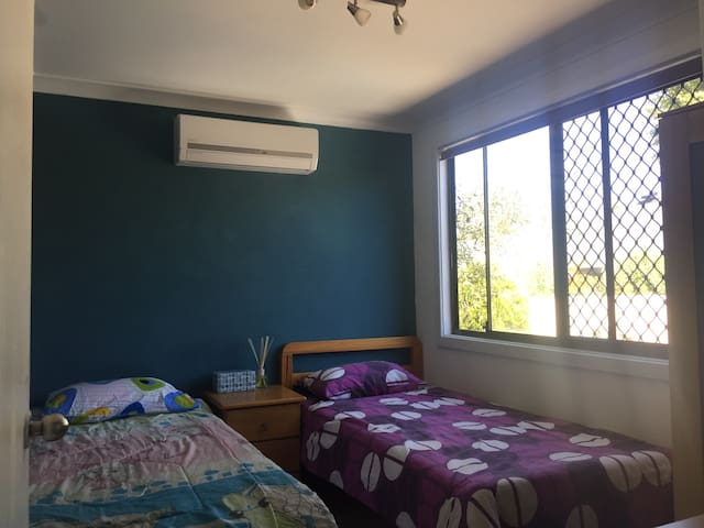 Comfy Bedroom - Willetton - House