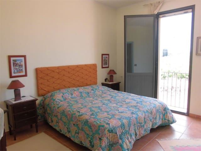 SELINUNTE HOLIDAY APARTMENT HOUSE IN THE ESTATE - Castelvetrano - Apartemen