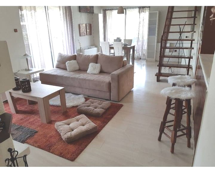 *Glyfada*2floor apartment*wifi*fireplace *parking