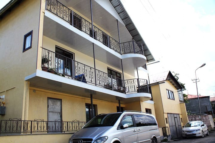 GuestHouse М22 in Dilijan