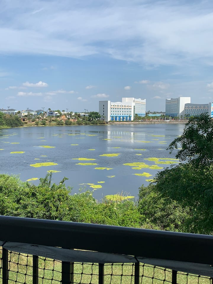 GREAT LOCATION! Waterfront studio ORLANDO I-DRIVE