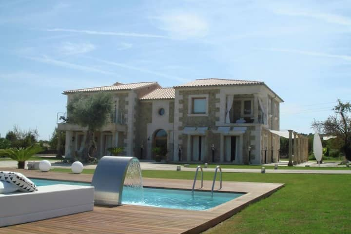 Quaint Mansion in Selva with Private Pool and Jacuzzi