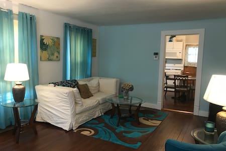 Sparkling Clean Spacious 2 Bedroom Duplex