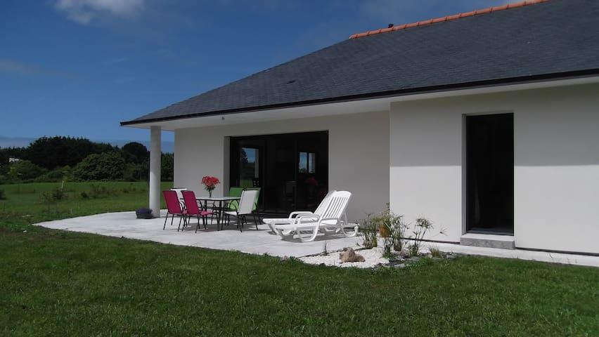Maison neuve de plain pied à 1,5 km des plages - Plobannalec-Lesconil - Haus