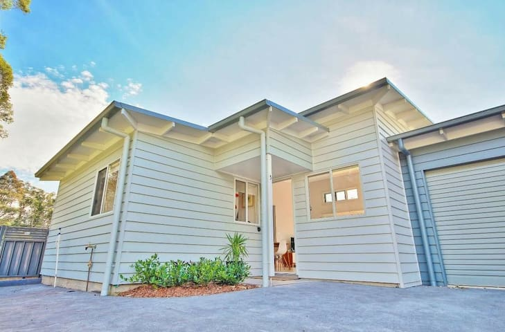 New! Bright, airy beach villa - Huskisson