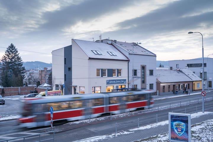 Půdní apartmán s klimatizací a parkováním