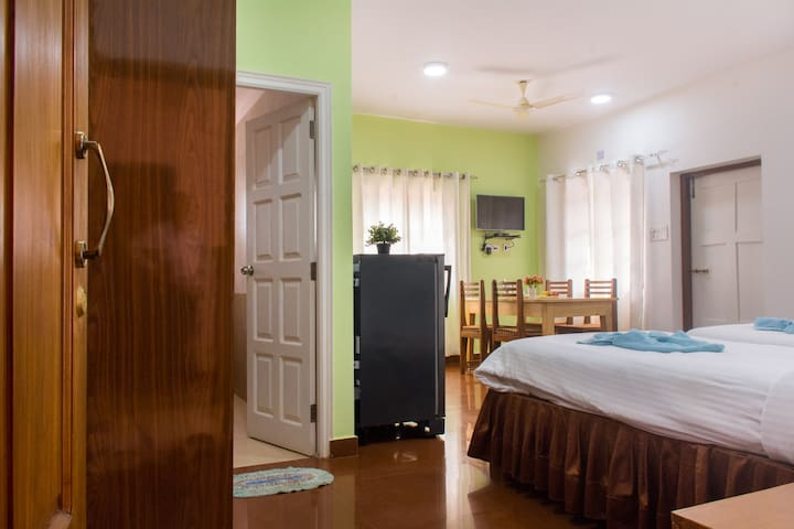 3 -Holy Cross Home Stay's - 1 BHK Apartment Goa. - Santa Cruz - Apartemen