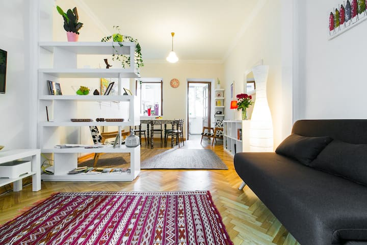 Chatsky 2.0 - Apartment in the Historical Center