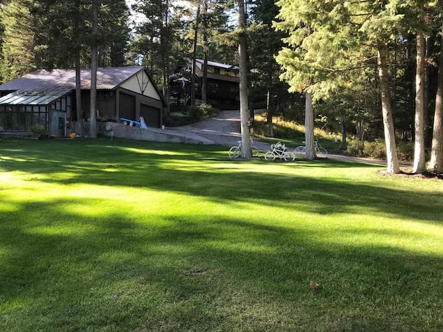 entire guest house Private Big Mountain getaway <3