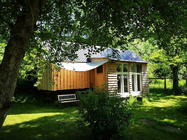 Tiny House-Villa Löwenzahn im Garten Eden