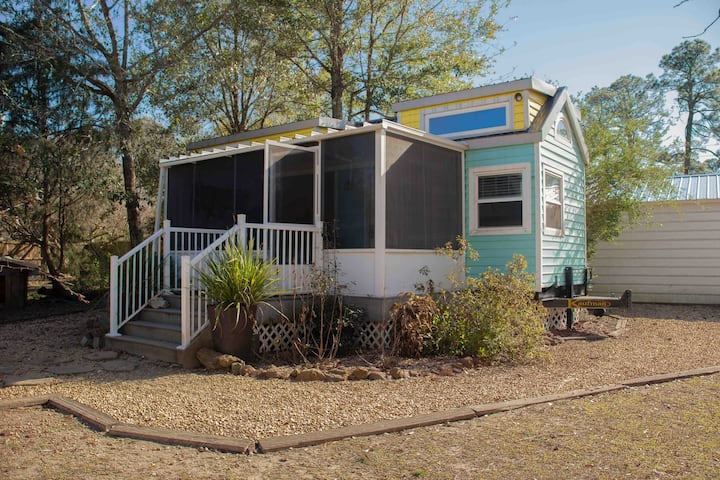 Pensacola 3 bedroom Tiny House Retreat