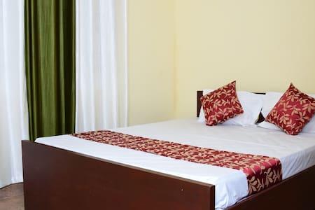 Holidayincoorg Cozy Nest - Comfort - Madikeri
