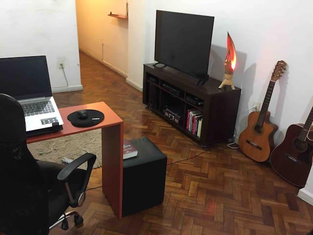 Apartamento a 2 quadras da praia de Copacabana