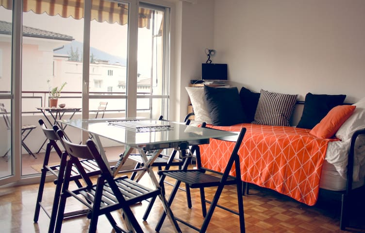 Cosy and sunny studio, 10min from Piazza Grande - Muralto