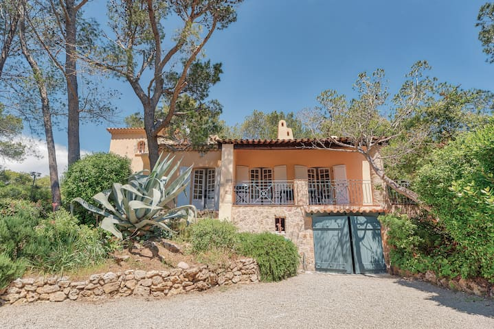 fragrance of Provence: villa with swimming pool