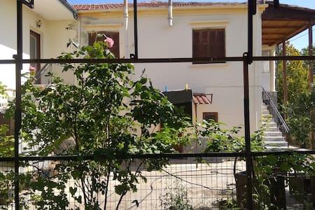Αρχοντικό διαμέρισμα στην περιοχή της Αμφίπολη