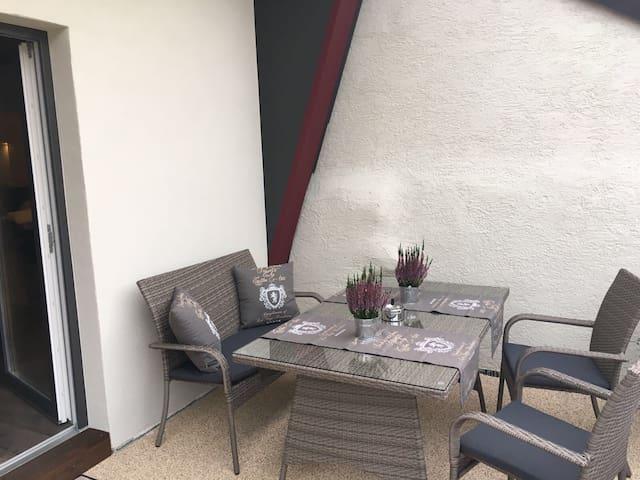 Gemütliche 2 Zimmer Ferienwohnung - Wöllstein - Apartamento