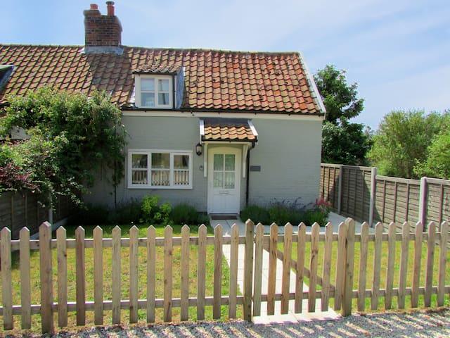 Thimble Cottage, Knodishall near Aldeburgh - Knodishall - House