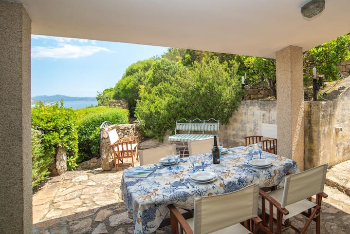 Villa Borgo la Liccia with Rerrace & Large Garden; Parking available
