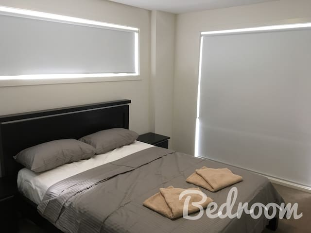 furnished apartment 1 queen bed quiet location - Harrison - Flat