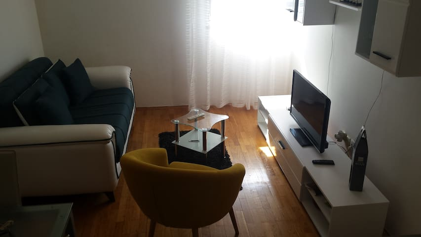 ***Cosy, close to beach, river and old town*** - Omiš - Apartment